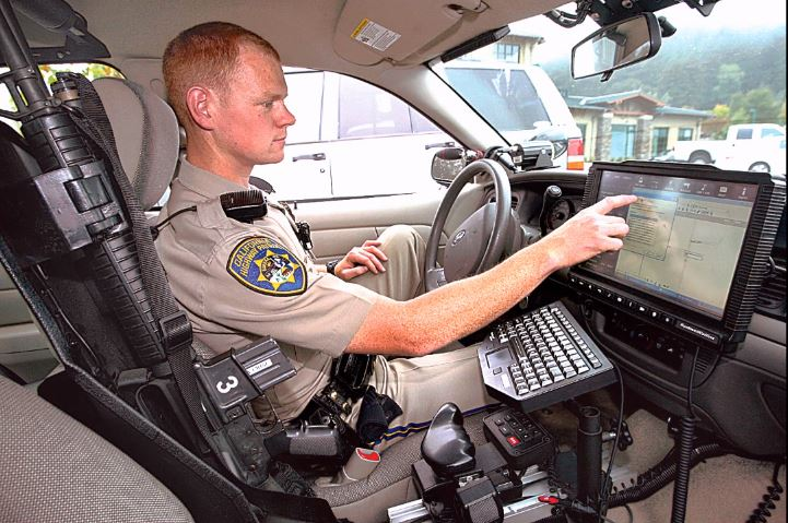 How to listen to encrypted police radio