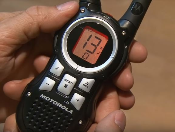 How to Program a Motorola walkie talkie